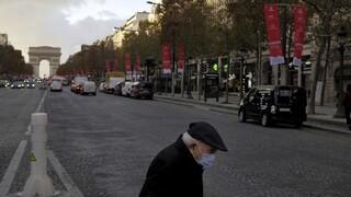 Κορωνοϊός - Γαλλία: Καθολική απαγόρευση της κυκλοφορίας στις 18:00 και αυστηροί έλεγχοι στα σύνορα