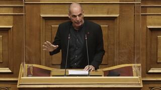 Βαρουφάκης: Ο ελληνικός λαός δεν εμπιστεύεται την κυβέρνηση