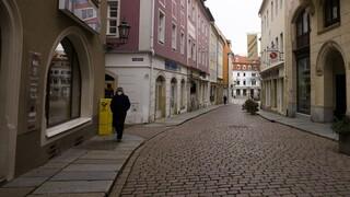 Κορωνοϊός: Πανευρωπαϊκό lockdown εισηγείται Γερμανός ειδικός