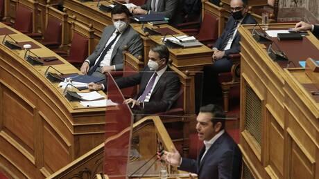 Στον ΣΥΡΙΖΑ βλέπουν απομόνωση Μητσοτάκη και επιχείρηση εκλογικής απόδρασης