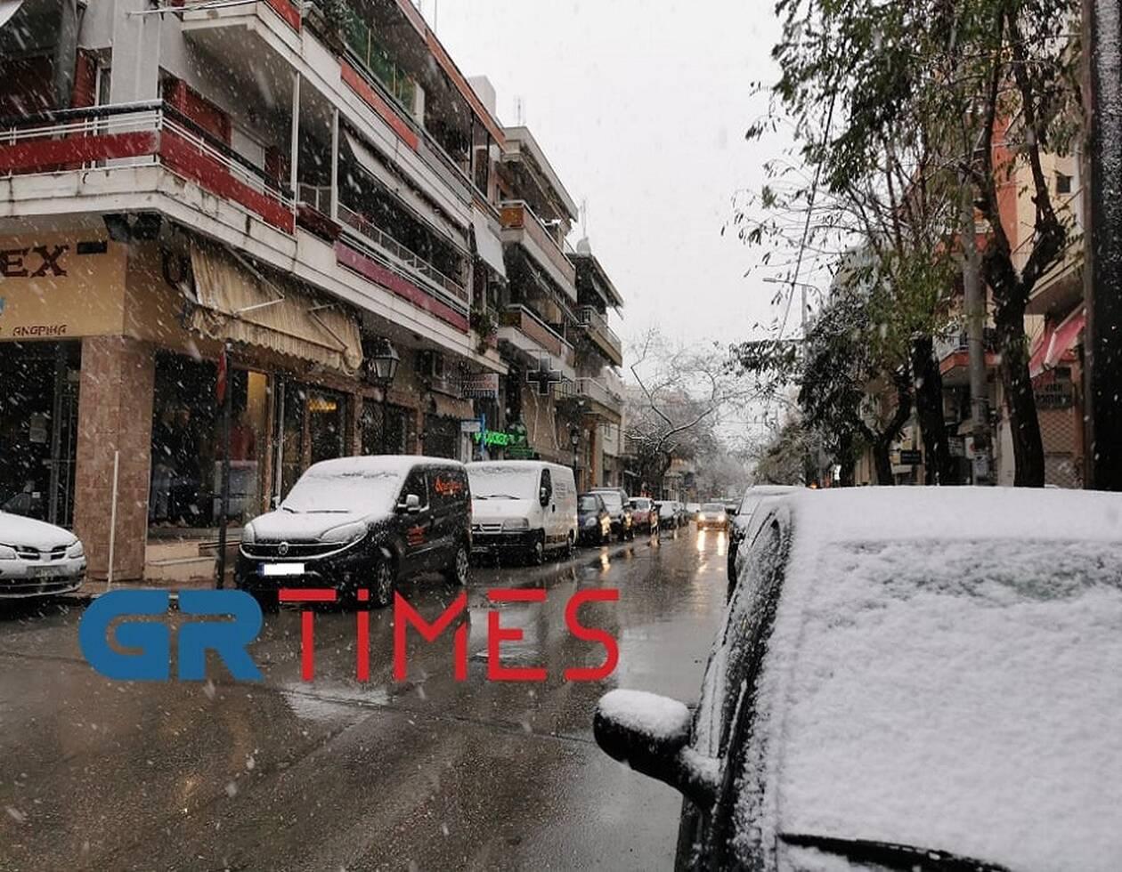https://cdn.cnngreece.gr/media/news/2021/01/16/250769/photos/snapshot/THESSALONIKI-XIONI-2.jpg