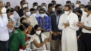 Κορωνοϊός: Ξεκίνησε ο εμβολιασμός στην Ινδία - Καθυστερήσεις παραδόσεων εμβολίων στην Ευρώπη