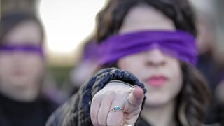 Ο πολιτικός κόσμος το πλευρό της Μπεκατώρου – Να σπάσει η σιωπή για τη σεξουαλική κακοποίηση
