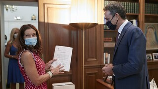Βικτόρια Χίσλοπ: Ακόμη δύο βιβλία της γίνονται τηλεοπτική σειρά στην ΕΡΤ