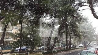 Κακοκαιρία «Λέανδρος»: Συνεχίζονται οι χιονοπτώσεις στα βόρεια προάστια