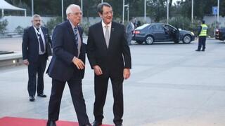 Κυπριακό: Τηλεφωνική επικοινωνία Αναστασιάδη - Μπορέλ