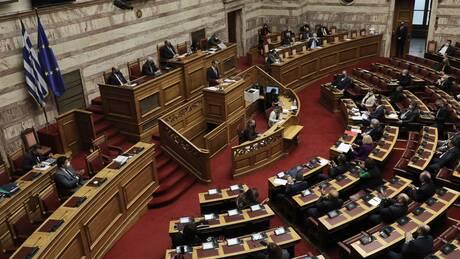 Βουλή: Στην Ολομέλεια το νομοσχέδιο για την επέκταση της αιγιαλίτιδας ζώνης στο Ιόνιο