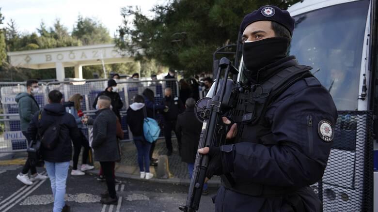 Τουρκία: Νέες συλλήψεις «Γκιουλενιστών» - Πόλεμος και με τα social media
