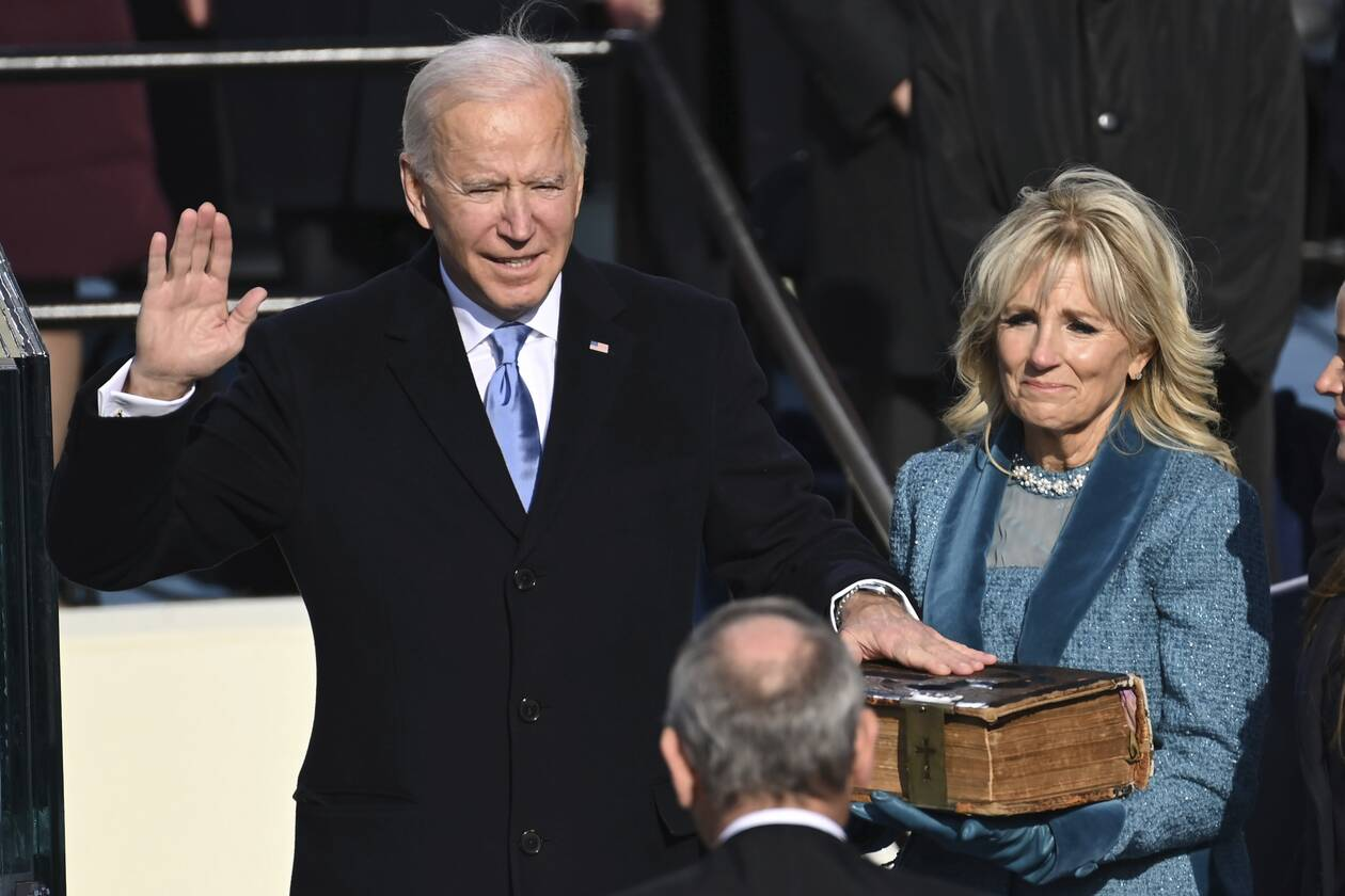 https://cdn.cnngreece.gr/media/news/2021/01/20/251352/photos/snapshot/biden-AP_21020607164641-21.jpg