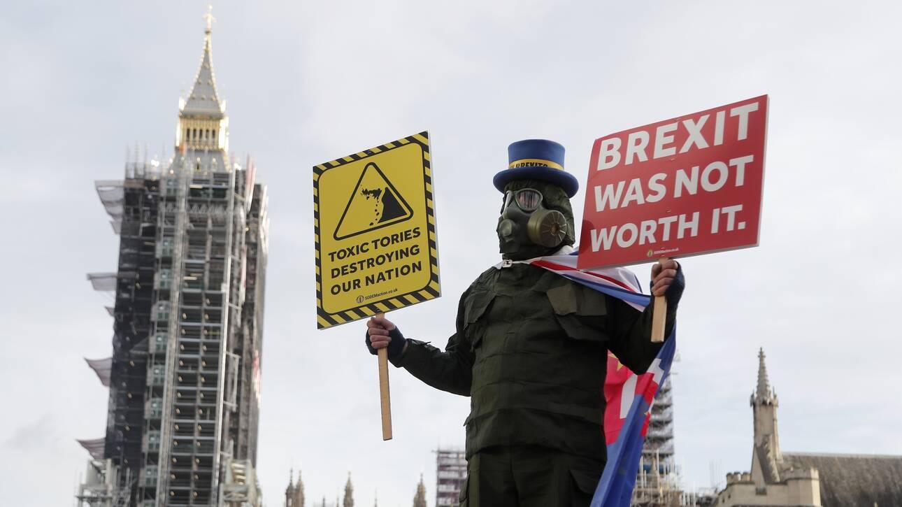 Έλτον Τζον, Στινγκ, Εντ Σίραν: Οι σταρ της βρετανικής μουσικής κατά της συμφωνίας για το Brexit