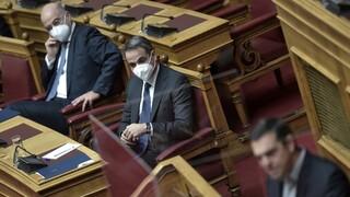 Διερευνητικές επαφές: Τι είπαν Μητσοτάκης και Τσίπρας στη Βουλή