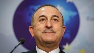Μεταναστευτικό: Θετικός ο Τσαβούσογλου για την επιστροφή 1.450 μεταναστών στην Τουρκία