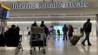 Κορωνοϊός: Το Ηνωμένο Βασίλειο διατηρεί ανοιχτά τα σύνορά του προς το παρόν