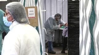 Κορωνοϊός: Πρόστιμα σε Pfizer/BioNTech σκέφτεται η Γαλλία για τις καθυστερήσεις στα εμβόλια