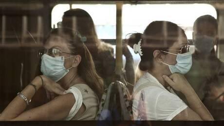 Βασιλακόπουλος: Ποιες μάσκες να χρησιμοποιούμε κατά της νέας μετάλλαξης του κορωνοϊού