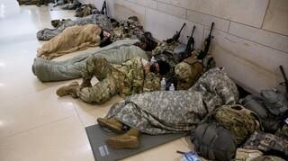 Θετικά στον κορωνοϊό έως 200 μέλη της Εθνοφρουράς - «Συγγνώμη» Μπάιντεν για τις σκηνές στο Καπιτώλιο