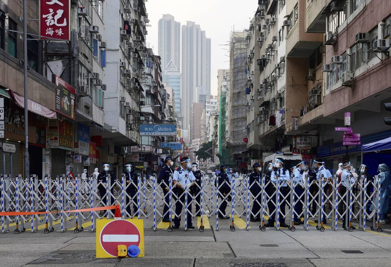 https://cdn.cnngreece.gr/media/news/2021/01/23/251702/photos/snapshot/hong_kong_lockdown-3.jpg
