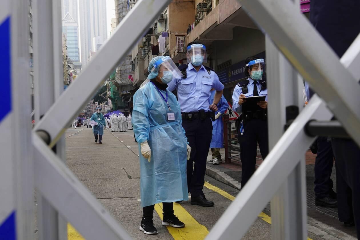 https://cdn.cnngreece.gr/media/news/2021/01/23/251702/photos/snapshot/hong_kong_lockdown-4.jpg