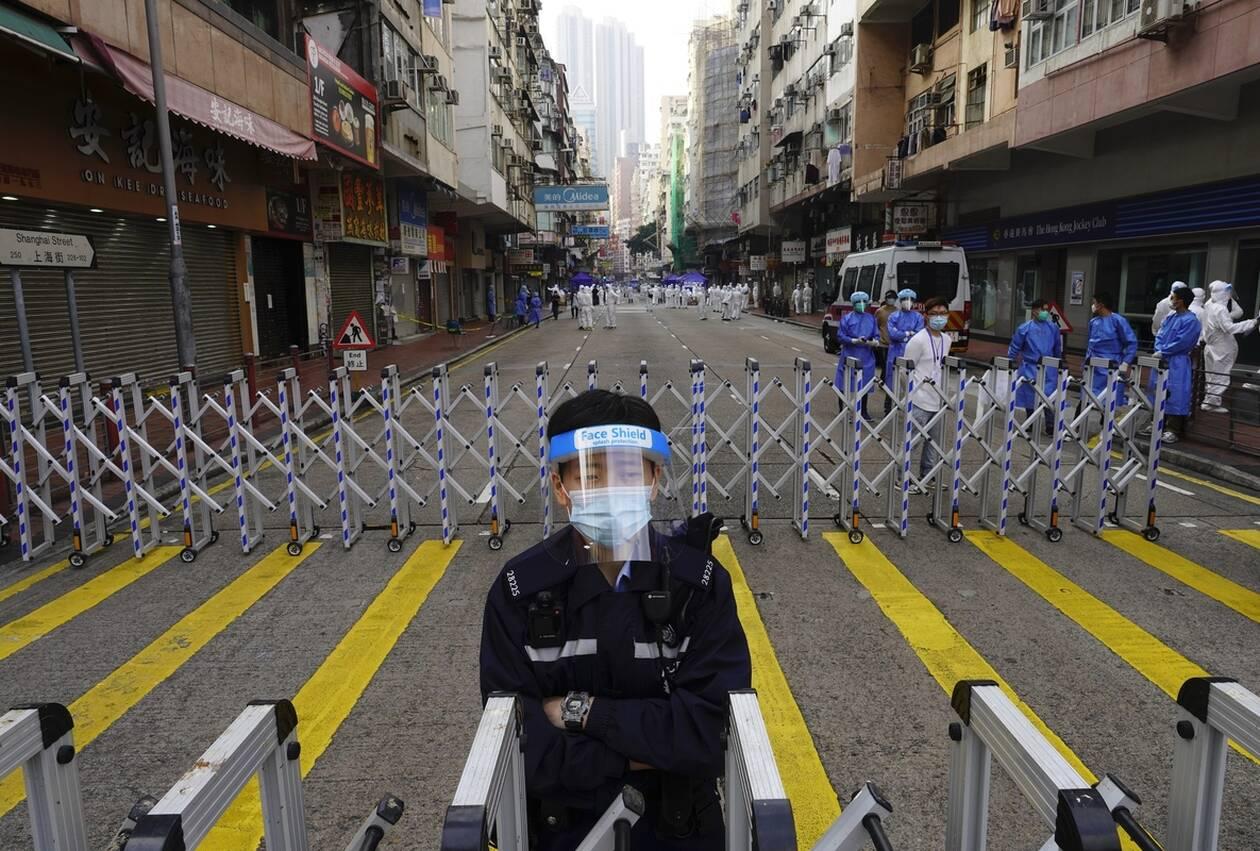 https://cdn.cnngreece.gr/media/news/2021/01/23/251702/photos/snapshot/hong_kong_lockdown-6.jpg