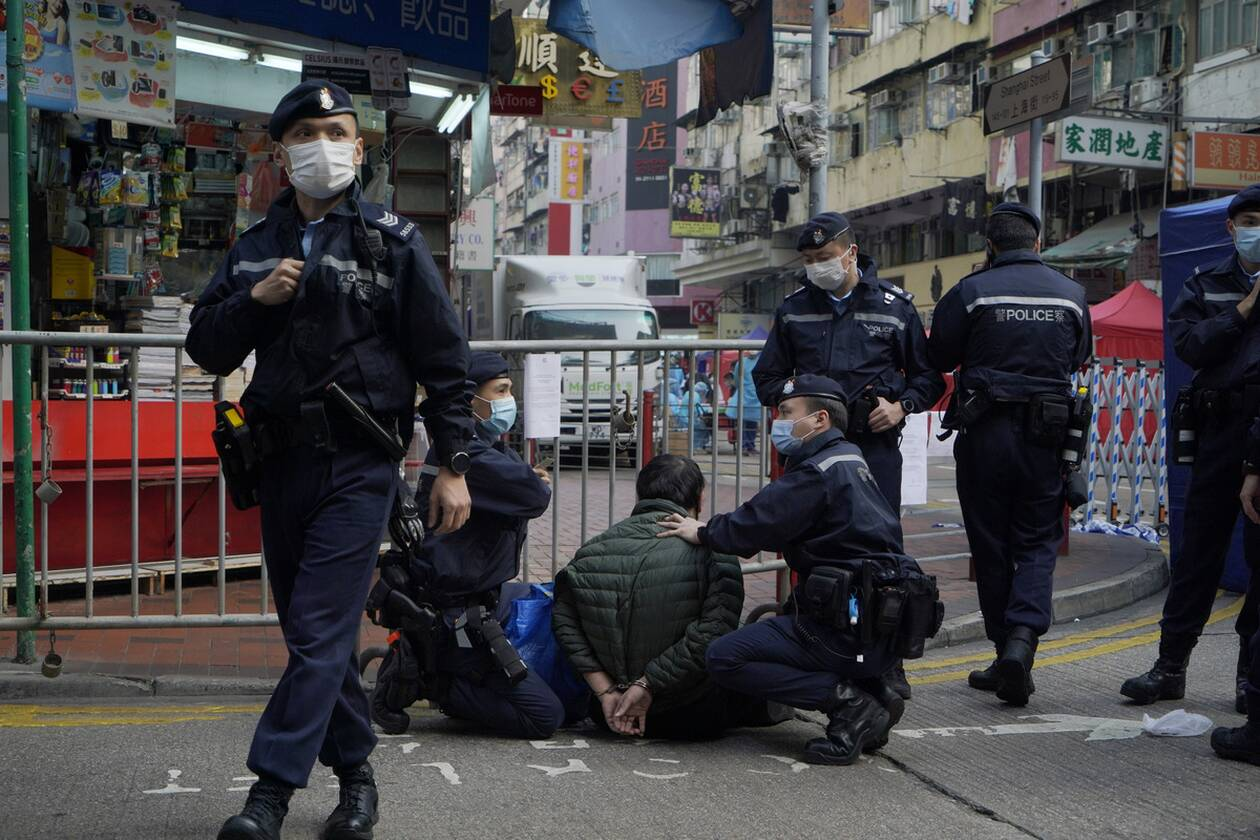 https://cdn.cnngreece.gr/media/news/2021/01/23/251702/photos/snapshot/hong_kong_lockdown-8.jpg