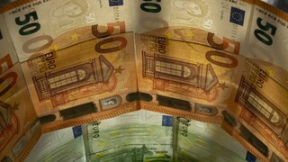 «Lockdown» στους φόρους: Μειώσεις και αύξηση επιστροφών