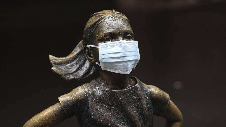 Προστατεύουν οι υφασμάτινες μάσκες απέναντι στις μεταλλάξεις; Η συζήτηση ξεκίνησε
