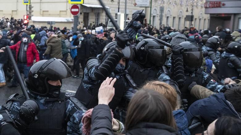 Ρωσία: Κατηγορεί τις ΗΠΑ για παρέμβαση στις εσωτερικές υποθέσεις της