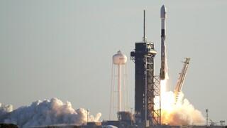 Παγκόσμιο ρεκόρ: Η Space X εκτόξευσε ταυτόχρονα 143 μικρούς δορυφόρους