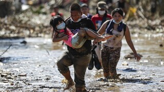 SOS για κλιματική αλλαγή: Σχεδόν μισό εκατ. άνθρωποι νεκροί λόγω ακραίων καιρικών φαινομένων