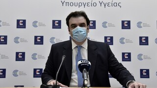 Πιερρακάκης: Δεν εξετάζεται «κόφτης» στα SMS