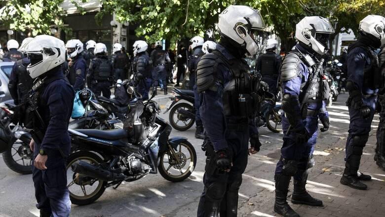 Λινού: Η απαγόρευση των συναθροίσεων επιβλήθηκε μέσα στον πανικό