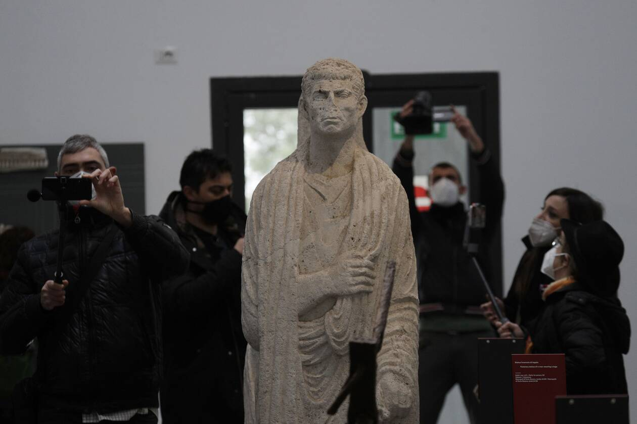 https://cdn.cnngreece.gr/media/news/2021/01/26/252045/photos/snapshot/Pompeii9.jpg