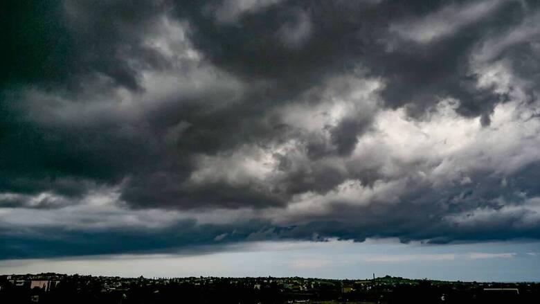 Κακοκαιρία: Σε εξέλιξη το νέο κύμα - Πού θα πέσει μέχρι και 12 βαθμούς η θερμοκρασία