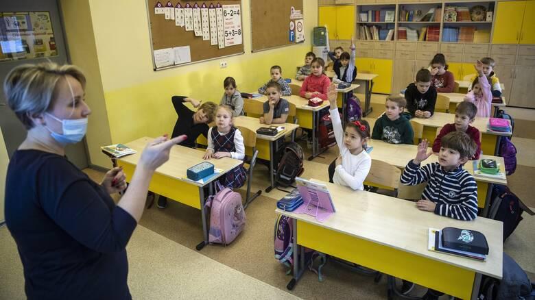 Κορωνοϊός: Καθησυχαστικά τα στοιχεία ερευνών για την ενδοσχολική μετάδοση