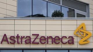 Βαθαίνει η ρήξη για τα εμβόλια: Θρίλερ με το ραντεβού της AstraZeneca με την Κομισιόν