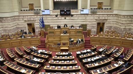 Κόντρα ΝΔ-ΣΥΡΙΖΑ στη Βουλή για την αγωγή Τσίπρα