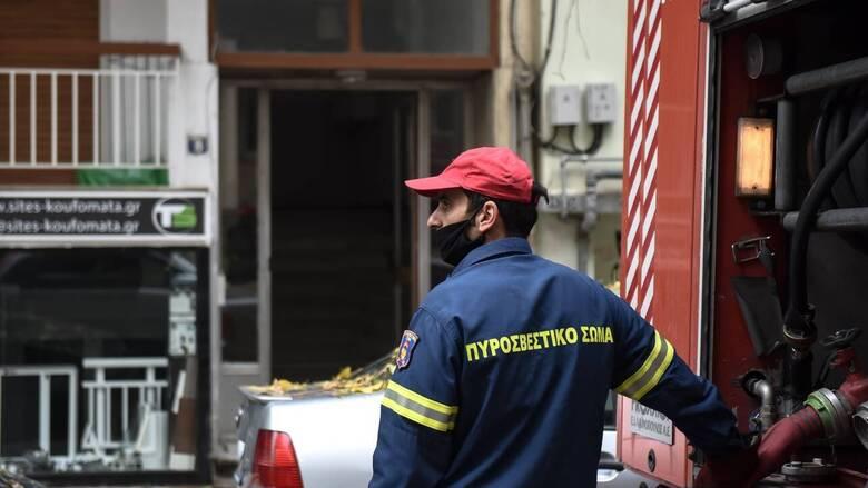 Ίλιον: Νεκρή γυναίκα από φωτιά σε διαμέρισμα
