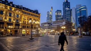Κορωνοϊός: «Πολύ νωρίς» για χαλάρωση των lockdown στην Ευρώπη λέει ο ΠΟΥ