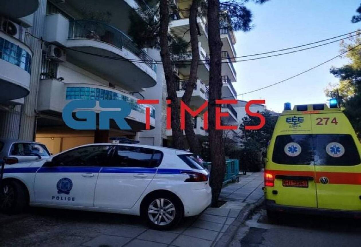 https://cdn.cnngreece.gr/media/news/2021/01/29/252474/photos/snapshot/ekav-ptosi-thessaloniki.jpg