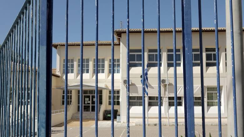 Lockdown στην Αττική: Τι θα εισηγηθούν οι ειδικοί για γυμνάσια – λύκεια