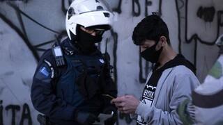 Παραβάσεις μέτρων κατά του κορωνοϊού: Συλλήψεις και «τσουχτερά» πρόστιμα