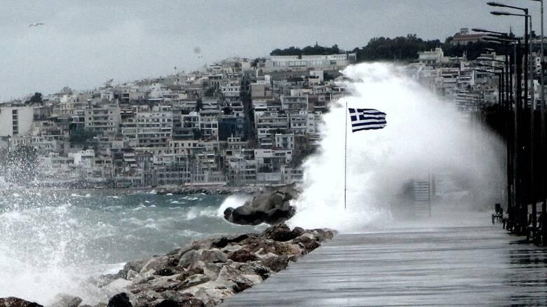 Καιρός: Σφοδρή κακοκαιρία τη Δευτέρα με βροχές, καταιγίδες και θυελλώδεις ανέμους