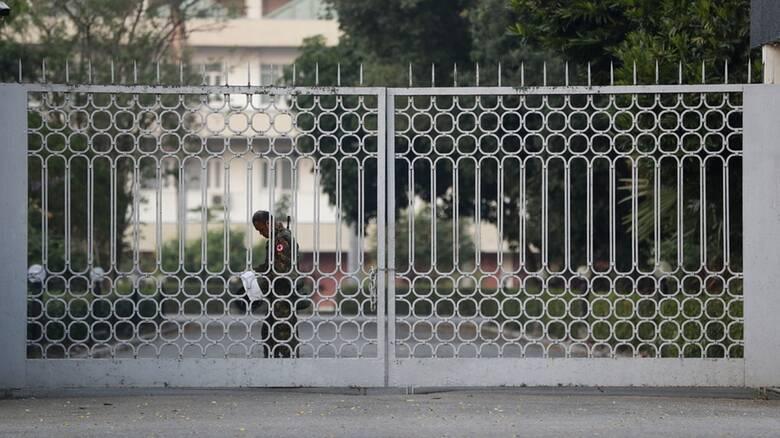 Στρατιωτικό πραξικόπημα στη Μιανμάρ: Σε κατάσταση έκτακτης ανάγκης η χώρα