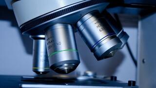 Εννέα στους 10 Έλληνες επιστήμονες με ερευνητική απήχηση βρίσκονται στο εξωτερικό