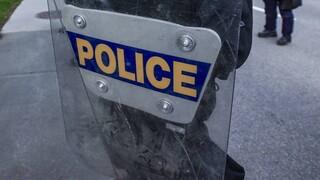 ΗΠΑ: Κυκλοφόρησε βίντεο που δείχνει αστυνομικούς να βάζουν χειροπέδες σε 9χρονο μαύρο κορίτσι