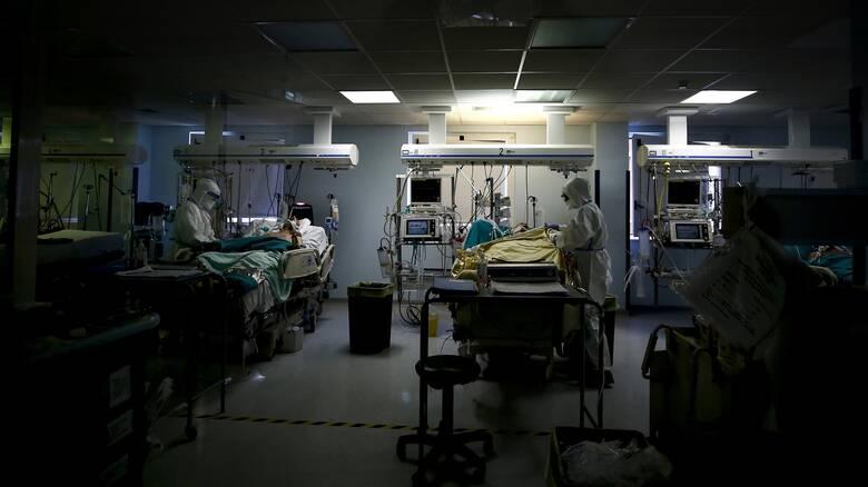 Κορωνοϊός: 543 νέα κρούσματα, 248 διασωληνωμένοι, 33 θάνατοι