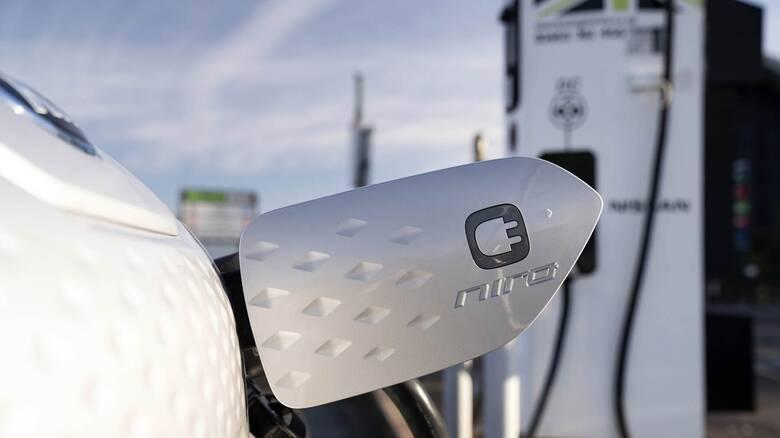 Υπάρχουν οι κατάλληλες υποδομές φόρτισης για τα ηλεκτρικά αυτοκίνητα στην Ευρώπη;