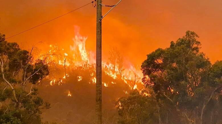 Πύρινη κόλαση στην Αυστραλία: Στις φλόγες τα περίχωρα του Περθ - Καταστράφηκαν σπίτια