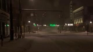 Κονέκτικατ: Έντονη χιονοθύελλα στο Τόρινγκτον - Προβλέπεται χιόνι μέχρι 30 έως 45 εκατοστά