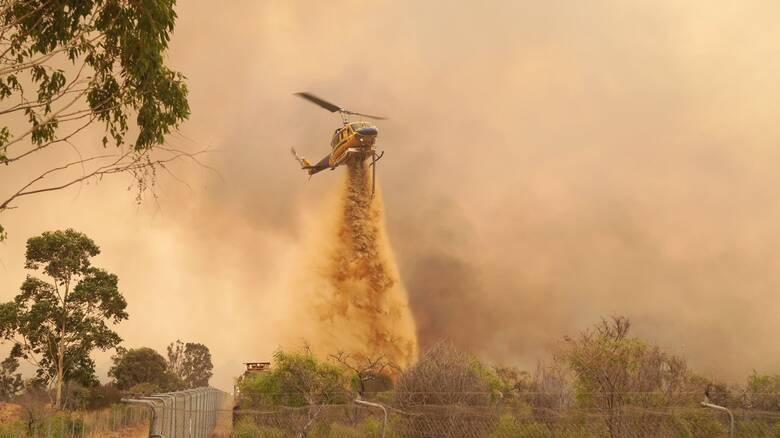 Σε πύρινο κλοιό το Περθ: Κάηκαν 71 κατοικίες, απανθρακώθηκαν τεράστιες εκτάσεις γης